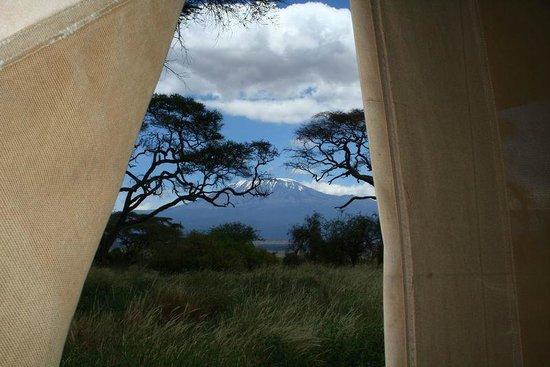 Udsigten fra teltet - når bjerget viser sig